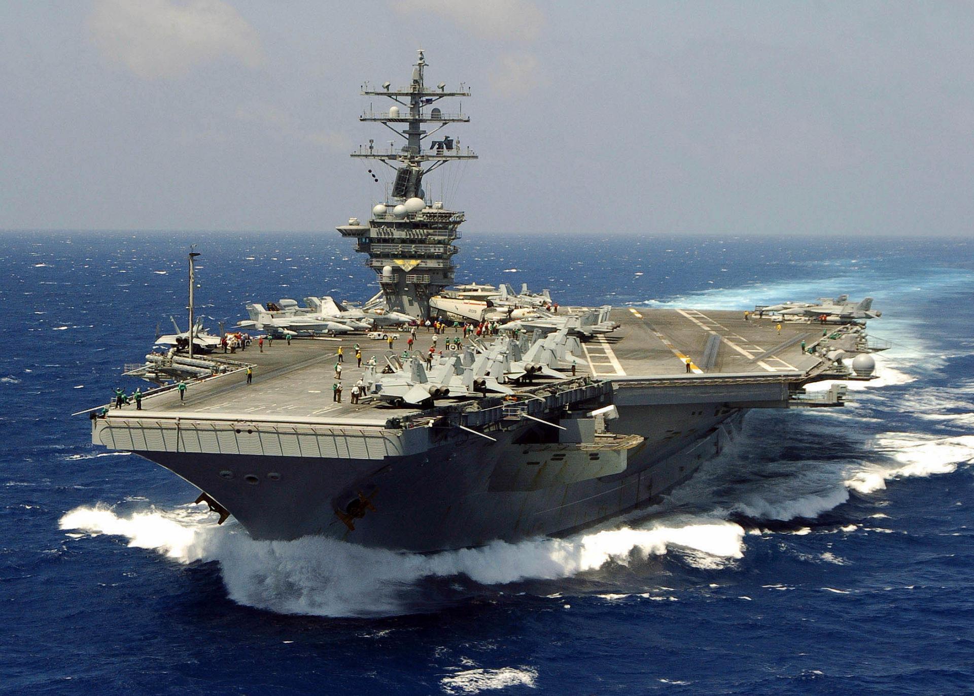 USS Eisenhower 2005 2